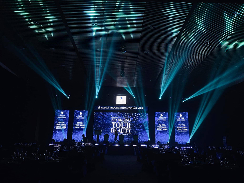 Lắp đặt Sân khấu sự kiện biểu diễn ca múa nhạc